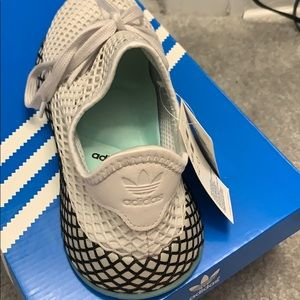 adidas Shoes - Adidas runner sneakers